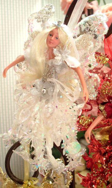 Винтажные куклы и статуетки в