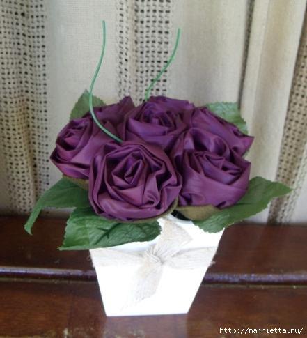vaso-rosas-em-cetim-208742-216470-gg2 (441x485, 87Kb)