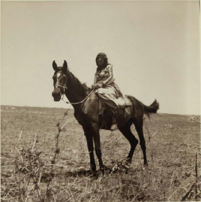 13 Женщина из Галилеи верхом на лошади. 5 июля (697x700, 296Kb)