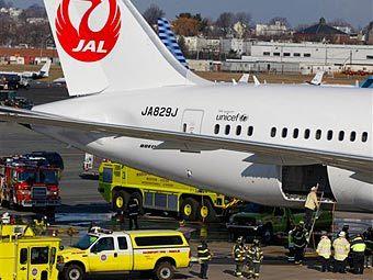 Боинг-787 потёк (340x255, 28Kb)