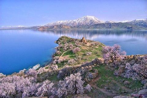 Остров Ахтамар, озеро Ван, Турция (480x321, 51Kb)