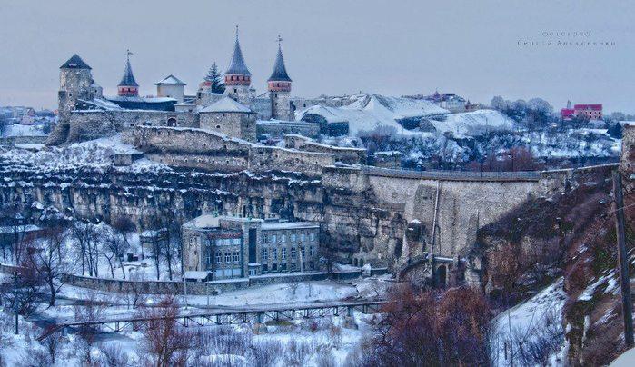 Старый замок, Каменец-Подольский, Украина (700x404, 84Kb)