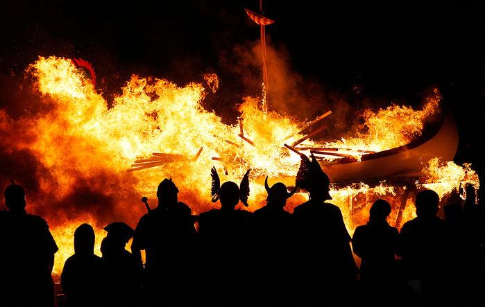 Шотландский праздник Апхелио 9 (700x443, 90Kb)