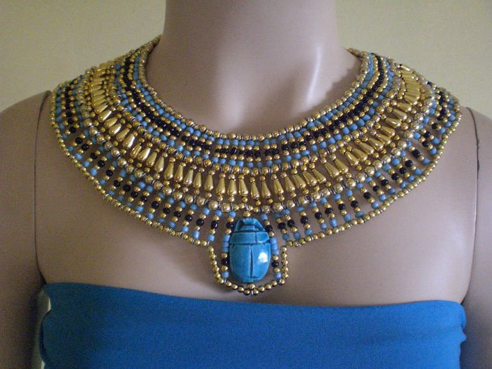 Beaded_Queen_Cleopatra_Collar_Necklace_1_scarab (700x525, 80Kb)