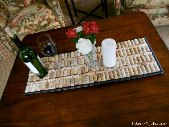 wine-cork-projects-serving-tray-from-shine-your-light (550x412, 211Kb)