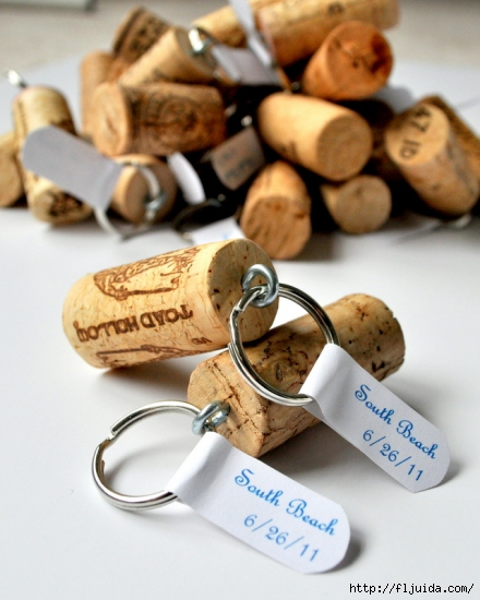 wine-cork-projects-wine-cork-keychains-from-cleverly-inspired (440x550, 179Kb)