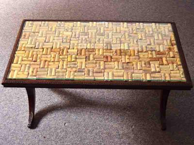 wine-cork-projects-wine-cork-table-top-from-crafts-for-all-seasons (400x300, 100Kb)