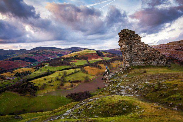 Крепость в городе Лланголлен, Уэльс (604x403, 60Kb)