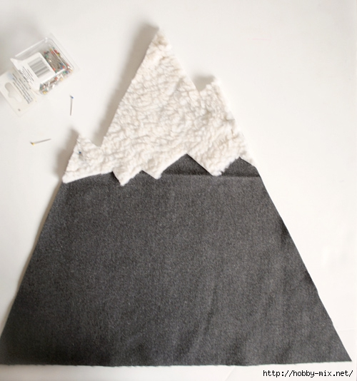 designsponge-diy-12-12-mountain-pillow-step2 (500x534, 143Kb)
