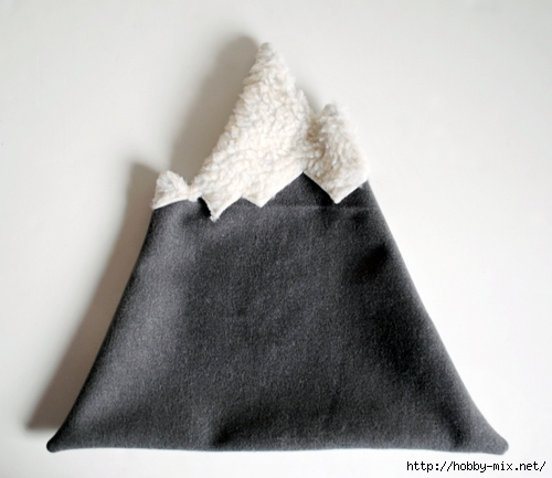 designsponge-diy-12-12-mountain-pillow-step10 (500x433, 119Kb)