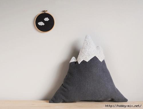 designsponge-diy-12-12-mountain-pillow-done (500x380, 91Kb)