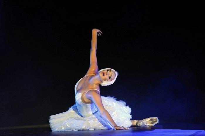 фото балерины волочковой на пляже