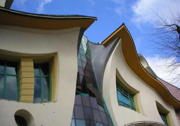 кривой дом в польше фото 7 (700x490, 45Kb)