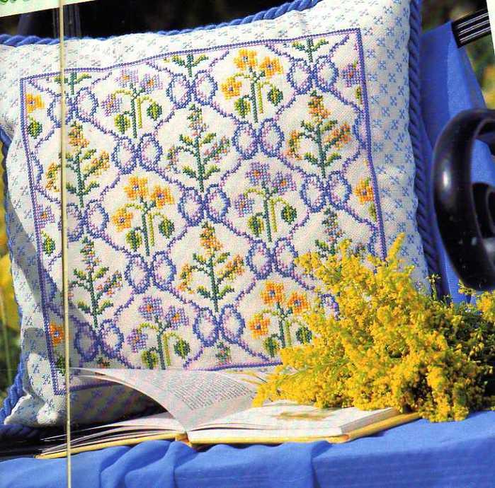 вышивка-схемы-подушка (700x690