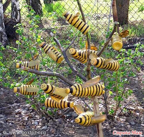 Беседка из пластиковой бутылМягкие игрушки птичКостюм змеи