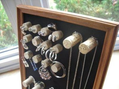 wine-cork-jewelry-display-21422912 (400x300, 23Kb)