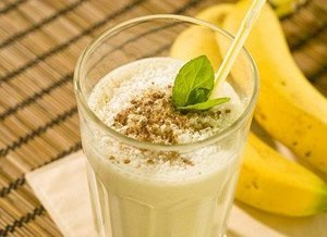 Молочный коктейль с бананами (300x218, 18Kb)