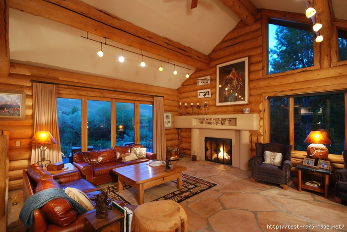 Fireplace-in-mountain-home (700x468, 297Kb)