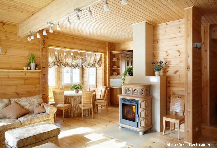 Интересный интерьер деревянного дома