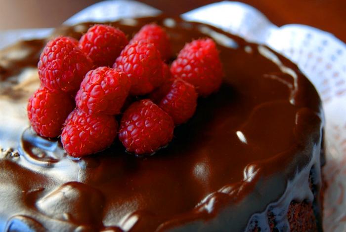 4449415_Shokoladnii_tort (700x470, 127Kb)