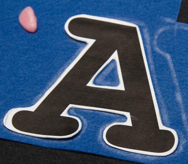 внутренних отверстий буквы
