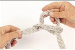 вязание на руках. шарфик (3) (256x172, 6Kb)