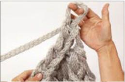 вязание на руках. шарфик (11) (258x169, 7Kb)