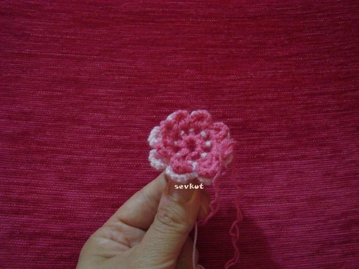 связать крючком цветы (700x525, 286Kb)