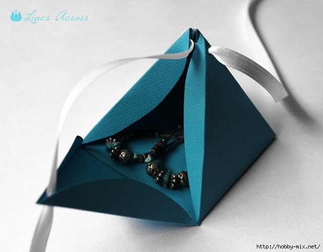 pyramid gift box earrings (640x500, 114Kb)