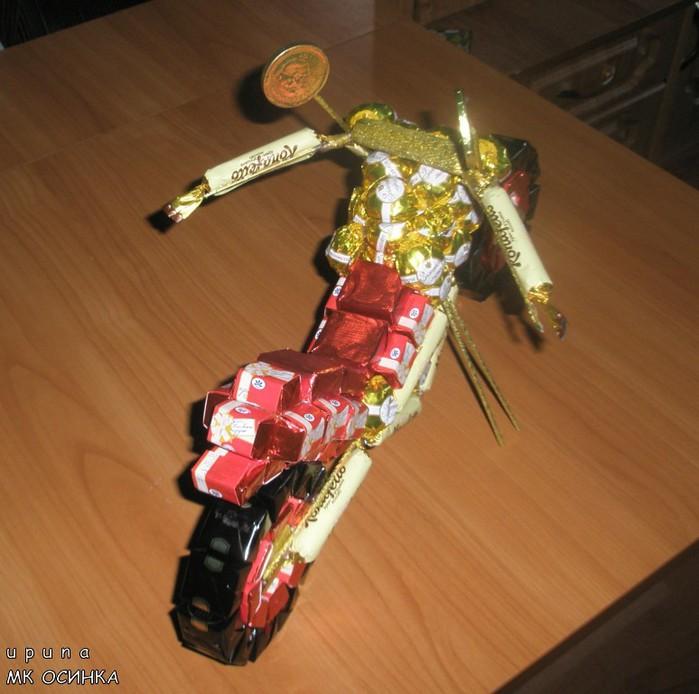 мастер-класс мотоцикл из конфет (2) (700x694, 96Kb)