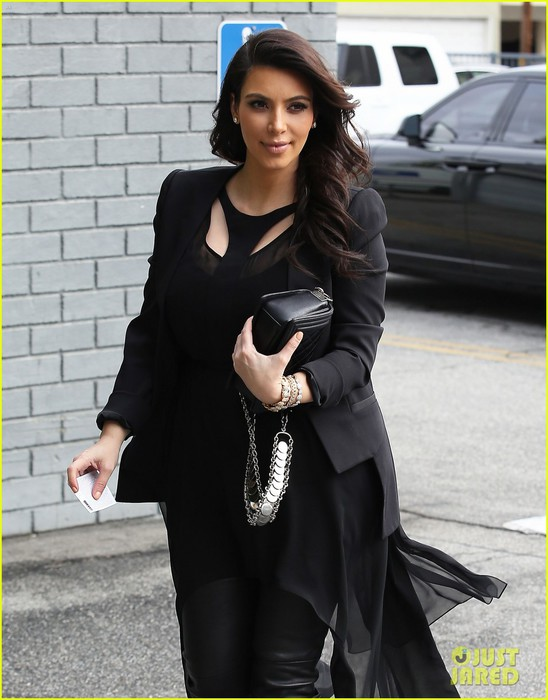 kim-kardashian-leaving-keeping-up-with-the-kardashians-after-season-nine-04 (548x700, 84Kb)