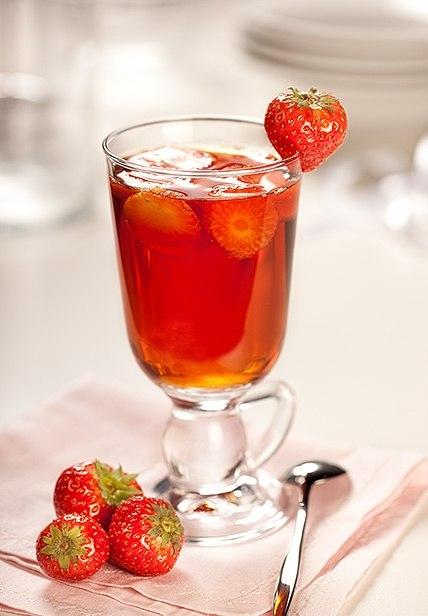 Напиток из зеленого чая и клубники (428x616, 45Kb)