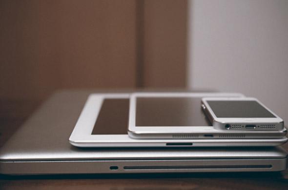 На Apple подали в суд за слишком частое обновление iPad Фотографии