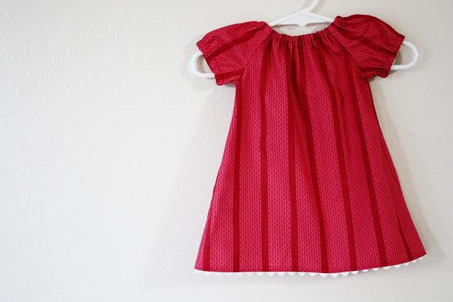 Как сшить платье для дочки своими руками