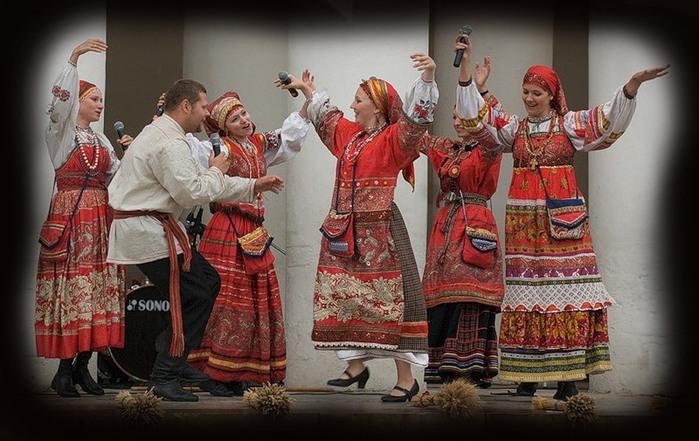 0006-012-Samo-slovo-folklor-prishlo-k-nam-iz-dalekoj-Anglii-i-perevoditsja (700x441, 104Kb)