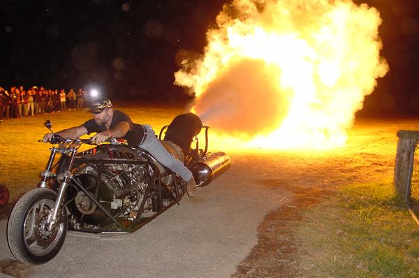 мотоцикл (600x398, 123Kb)