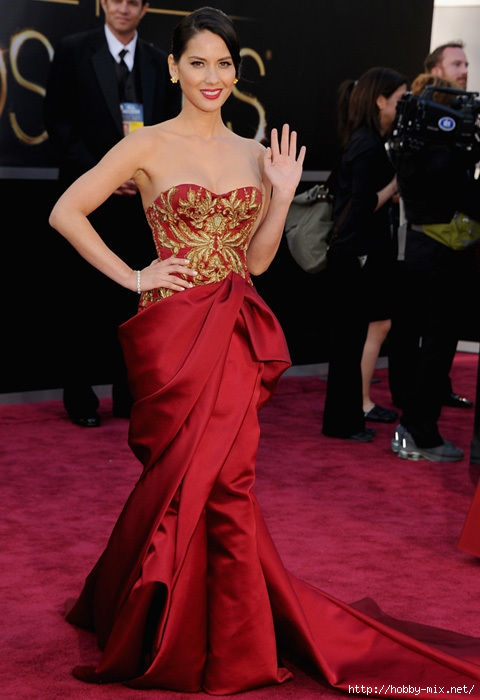 olivia_munn_red_dress_oscars_2013_red_carpet_18ilaut-18ilavu (480x700, 160Kb)
