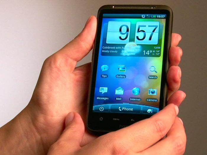 Смартфон можно взломать и через Bluetooth. . Главное находиться поблизости