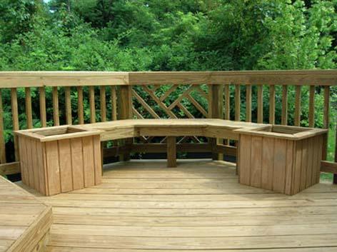 Садовая скамья может быть полностью деревянной или изготавливаться в комбинации дерева и металла.  А, если сделаете и...