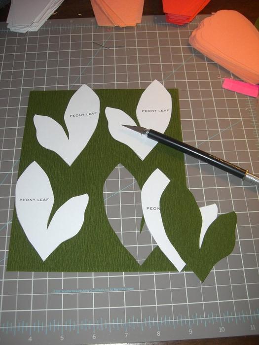 Как сделать пионы из гофрированной бумаги своими