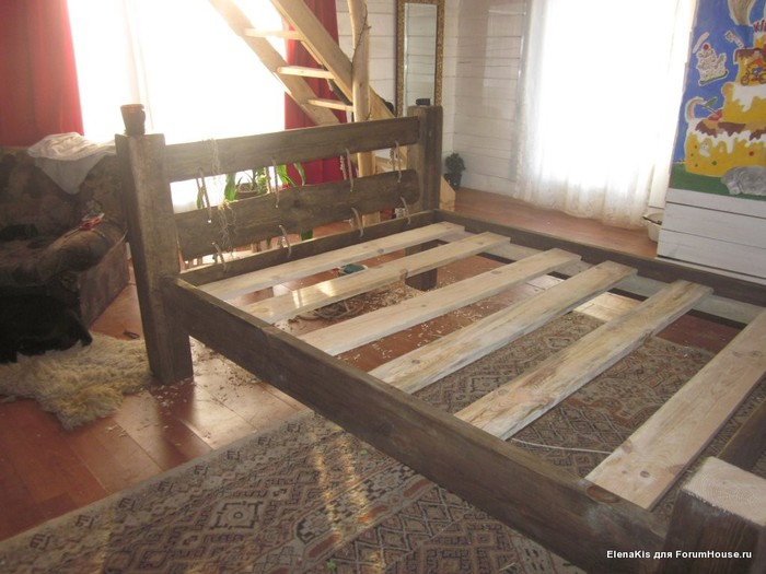 Самодельная кровать из бруса