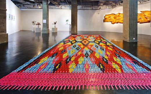 Хайди Воет. Узорные ковры из наручных часов. Фотографии
