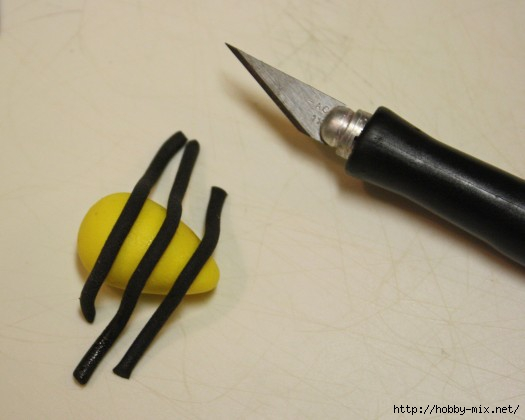 How-to-Make-Fondant-Bee-Cupcake-Toppers-6-e1360439015723 (525x420, 75Kb)