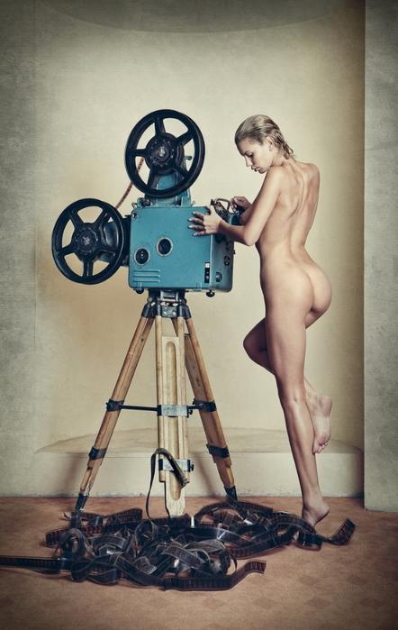 Дэниэл Илинка эротические фото 1 (442x700, 223Kb)
