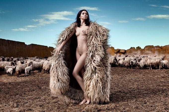Дэниэл Илинка эротические фото 10 (680x453, 354Kb)