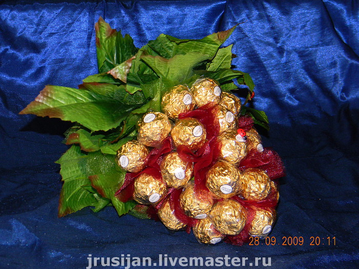 виноград из конфет (2) (700x525, 168Kb)