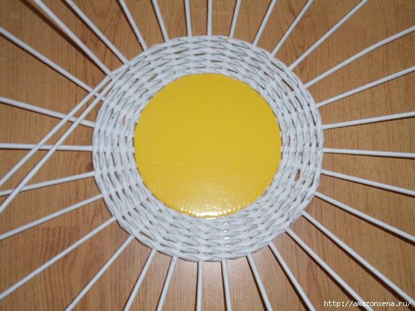 корзинка-солнышко из газет (2) (600x450, 139Kb)