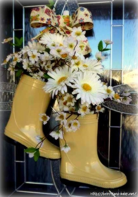 wreath-alternative-front-door-decor-rain-boots-filled-with-flowers-from-red-hen-home (470x671, 228Kb)