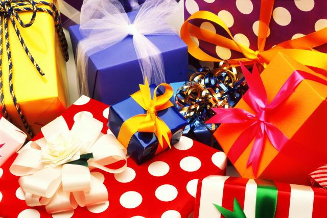 Подарок-куда подарков в обертке с бантиками подари или обменяй в краснодаре молодежное христианское движение пульс (640x428, 60Kb)