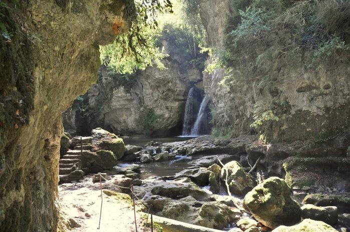 Водопад La Tine de Conflens, Швейцария 16546